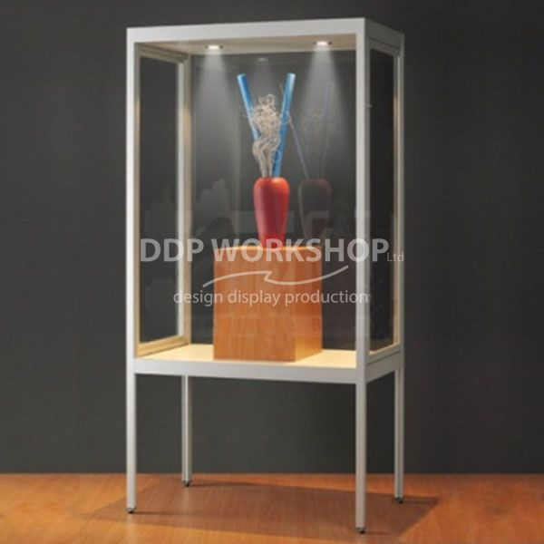 Display case v8 1000-b-tech - Dustproof
